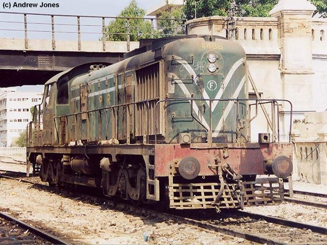 """pak railway Clearly the meaning of """"express"""" is fluid in pakistan luckily the pakistan railways website indicates how long each train journey should take, and you can make your choice depending on that metric as a rule of thumb, the slower the train, the cheaper (and often less comfortable) it is."""