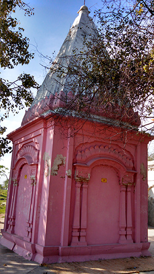 Small Temple building beside Puran's Well