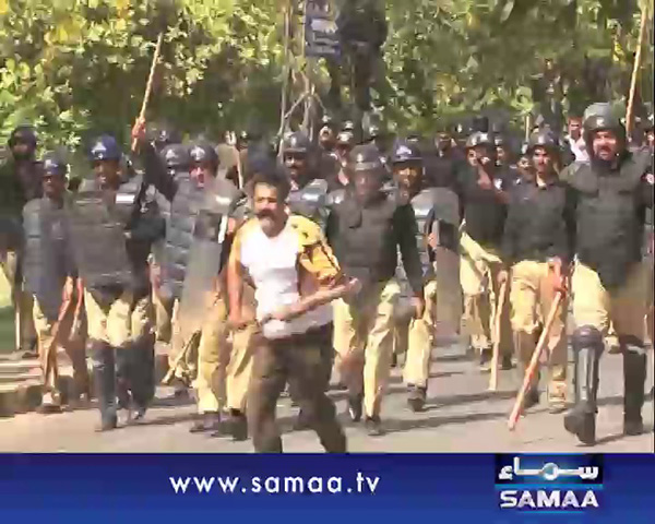 Gullu butt with police
